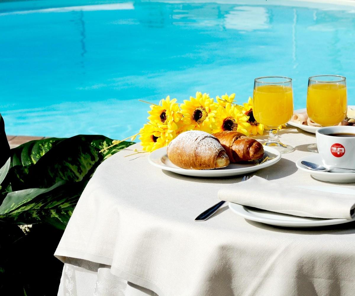 01-Alghero_Resort_Country_Hotel-La-Colazione-001