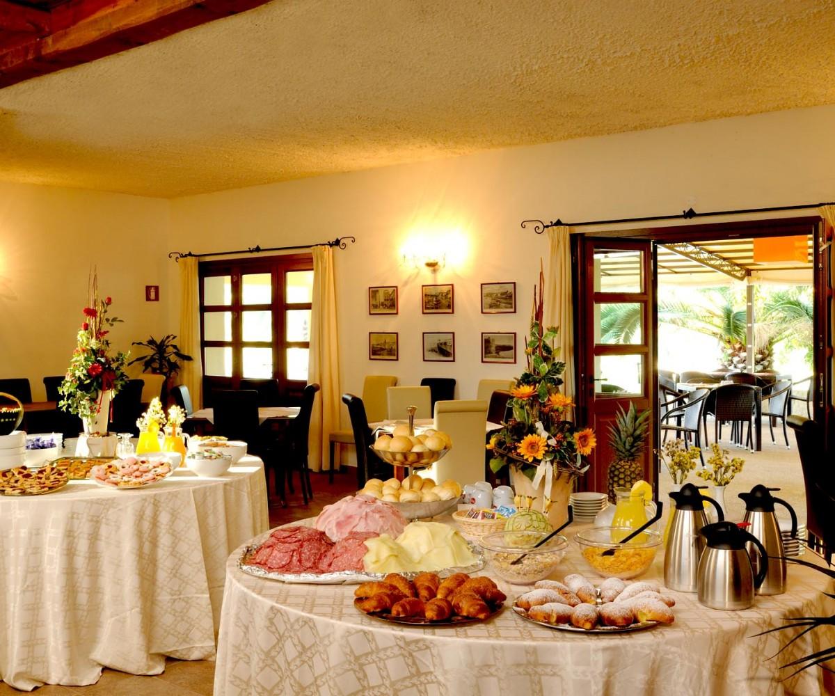 01-Alghero_Resort_Country_Hotel-La-Colazione-002