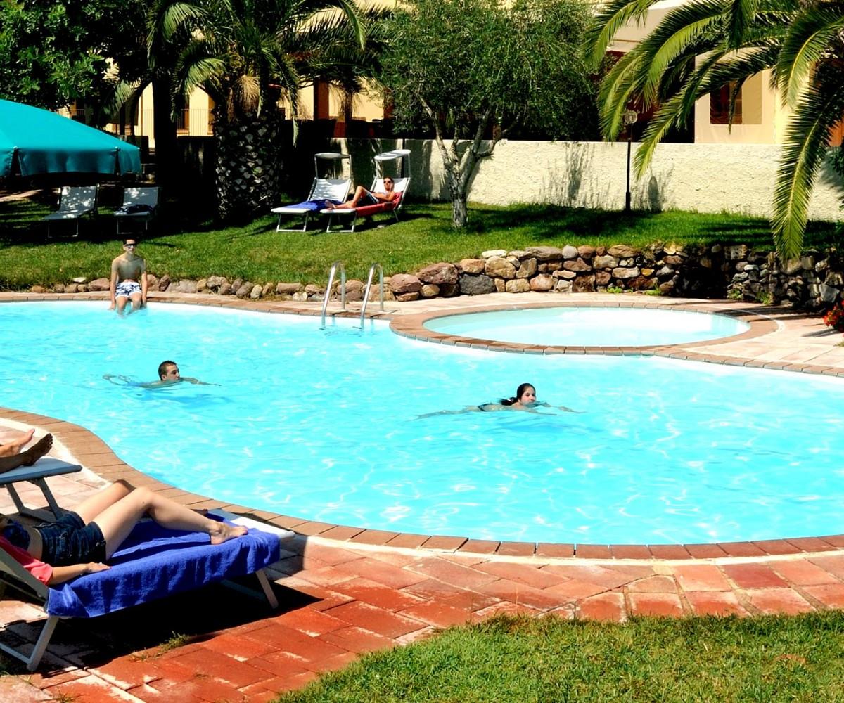 03-Alghero_Resort_Country_Hotel-La-Piscina-001