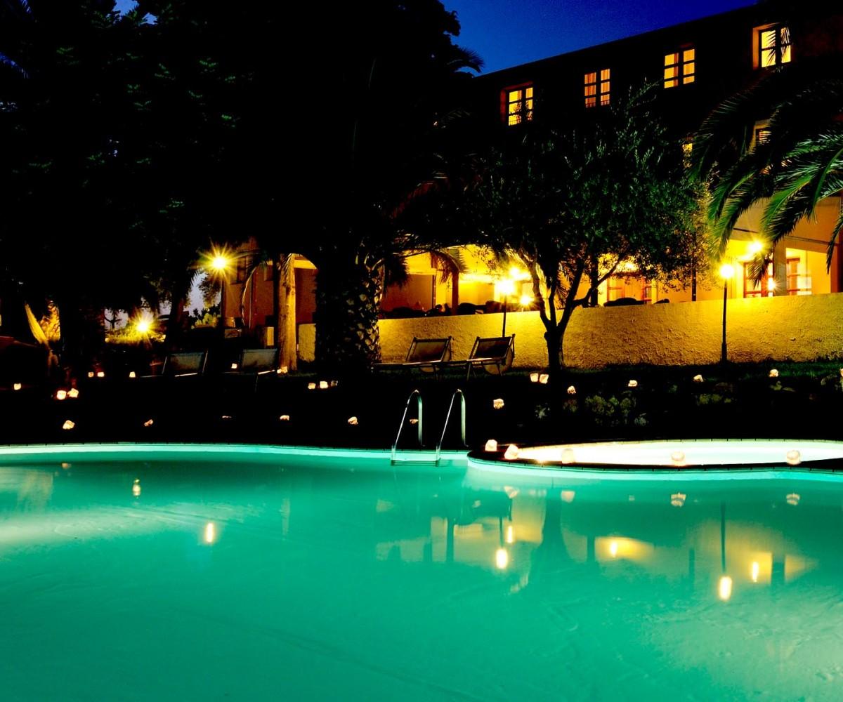 03-Alghero_Resort_Country_Hotel-La-Piscina-002